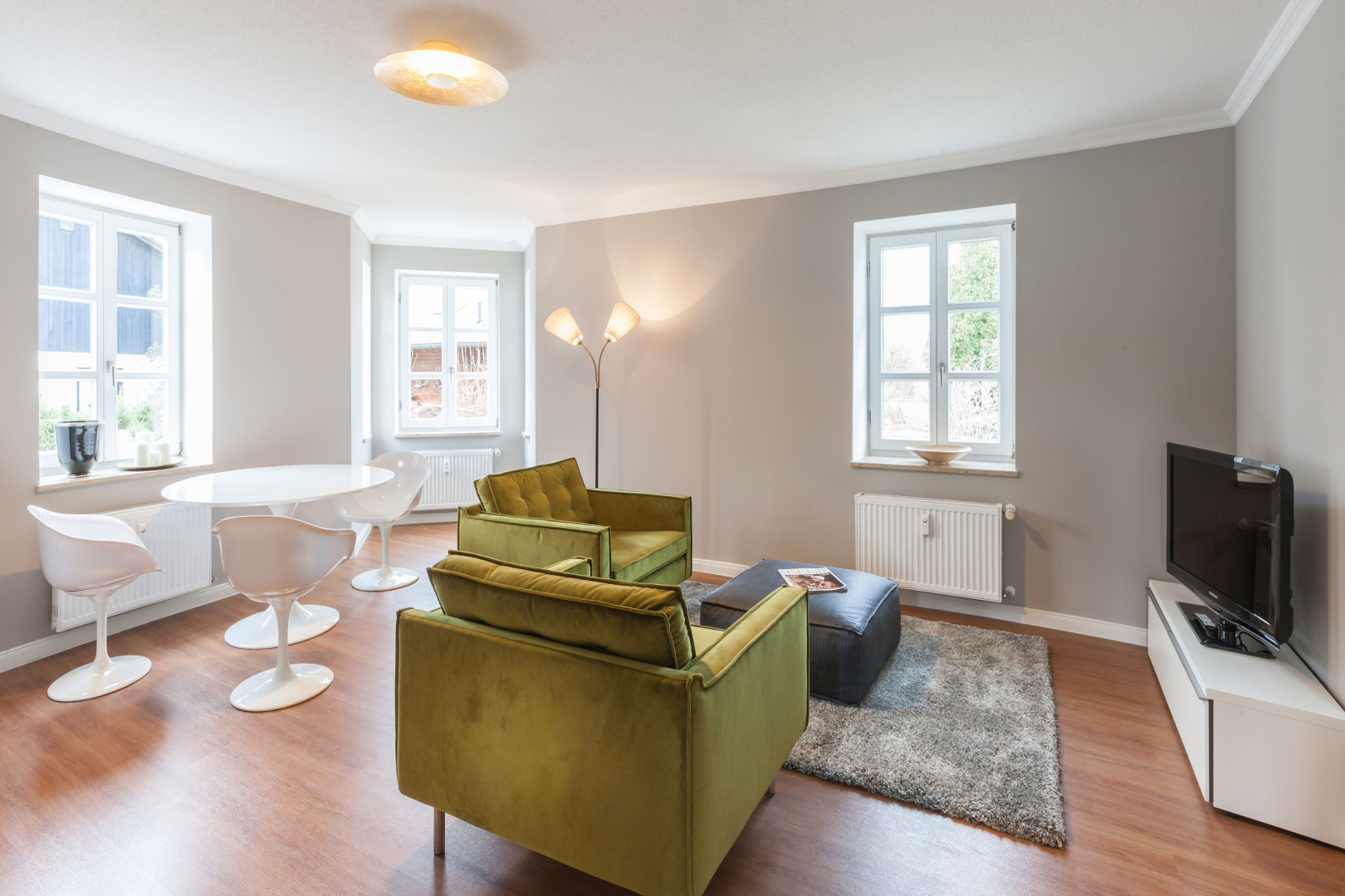 Schön eingerichtetes Zimmer in einer Wohnung am Moniberg in Landshut ...